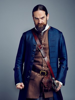 Outlander Murtaugh Fraser Season 2 Official Picture
