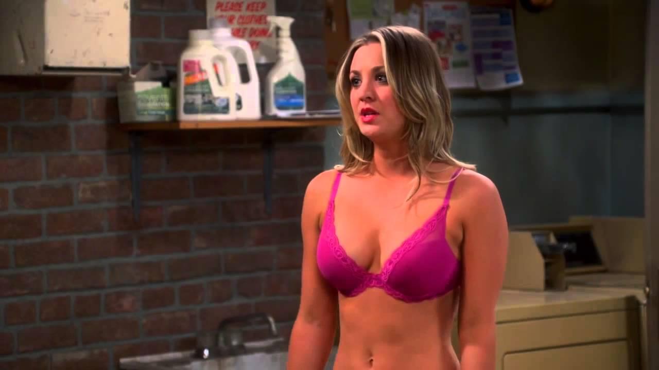 Fat women showing pussy