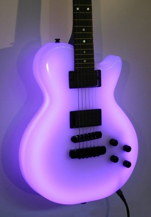 Purple guitar, gitaa