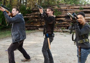 6x16 ~ Last día on Earth ~ Rick, Aaron & Sasha