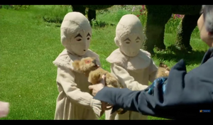 Screencap Miss Peregrine's 首页 for Peculiar Children Trailer
