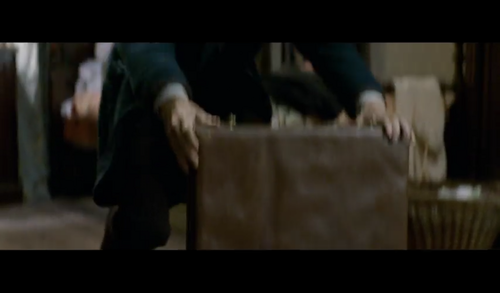 Fantastic Beasts and Where to Find Them fondo de pantalla probably containing a business suit called Screencaps - Fantastic Beasts and Where to FindThem Teaser Trailer