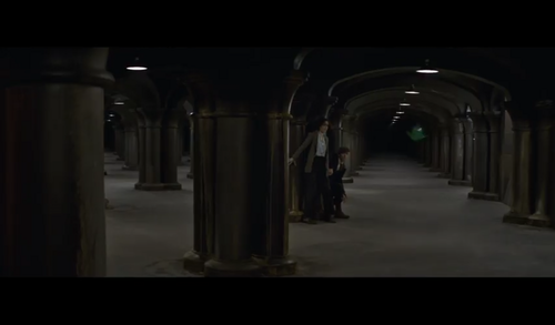 Fantastic Beasts and Where to Find Them wallpaper probably with a street, a portcullis, and a penitentiary entitled Screencaps - Fantastic Beasts and Where to FindThem Teaser Trailer