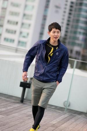 Song Joong Ki is a hot sportsman in 'Kolon Sport' CF b-cuts