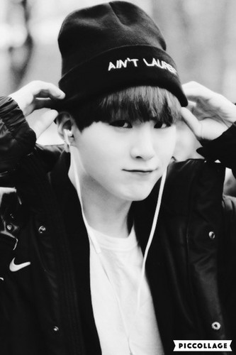 Suga (BTS) fondo de pantalla called hot suga><♥♔💣💣 ƸӜƷ