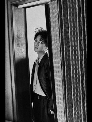 Super Junior's Yesung drops 1st teaser image for his solo debut!