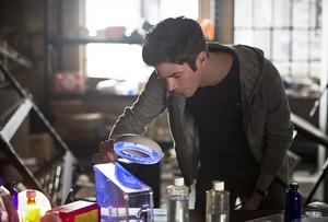 The Flash 2x17: Flash Back - Promo Pics