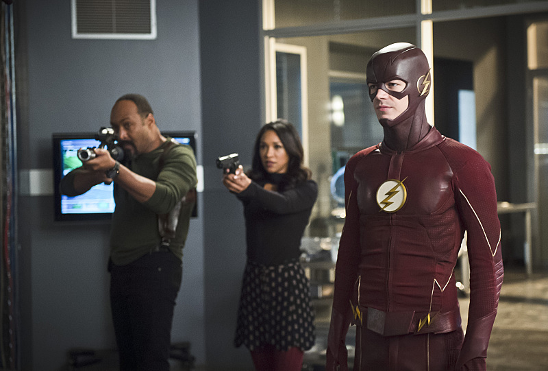 The Flash Season 2 Episode 18: Versus Zoom - Barry Allen