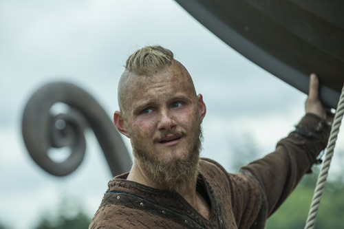 "Vikings (TV Series) پیپر وال probably with a meteorological balloon called Vikings ""Portage"" (4x08) promotional picture"