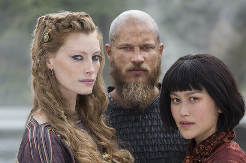 Vikings (TV Series) karatasi la kupamba ukuta possibly with a portrait called Vikings Season 4 Aslaug, Ragnar Lothbrok and Yidu Official Picture