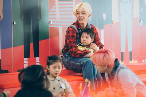 WINNER is spotted playing with adorable kids in behind cuts of 'Welcome to Bandalland'!