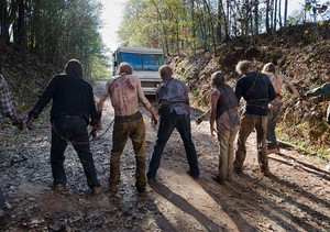 6x16 ~ Last Day on Earth ~ Walkers