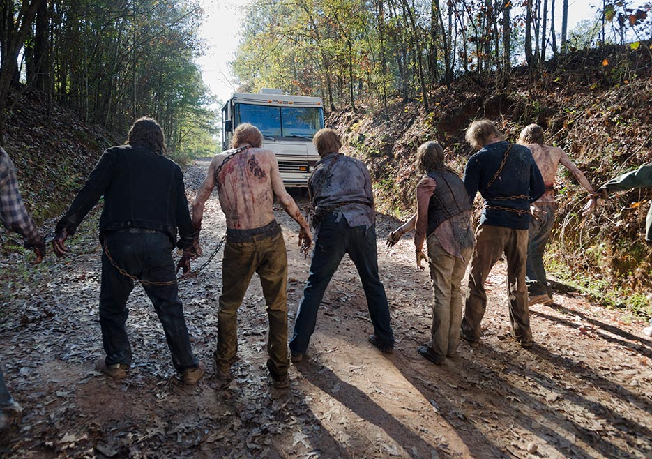 6x16 ~ Last dia on Earth ~ Walkers