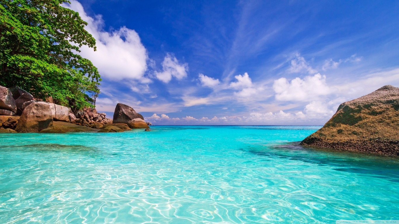 beach day wallpaper 1366x768