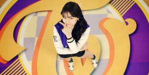 """♥ TWICE(트와이스) """"CHEER UP"""" M/V ♥"""