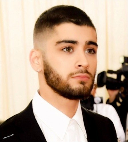제인 말리크 바탕화면 probably containing a business suit called Zayn Malik, 2016
