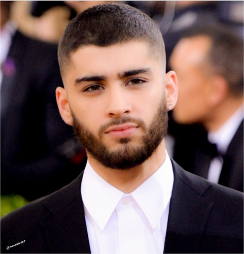 Zayn Malik پیپر وال containing a business suit, a suit, and a two piece entitled Zayn Malik, 2016