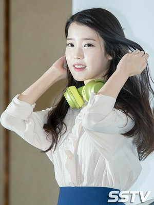 151005 IU at Sony HRA 'h.ear' Series Launch Event