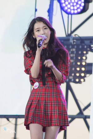 151024 My Challenge Walk concerto with IU
