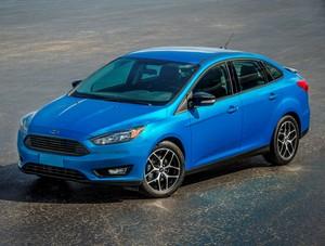 2015 Ford Focus III Kinetic SE sedan