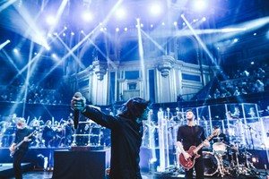 Bring Me The Horizon at Royal Albert Hall hiển thị