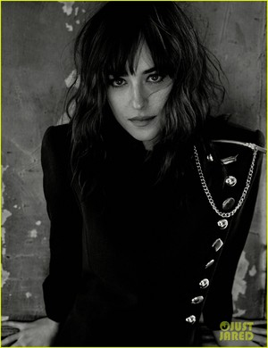 Dakota Johnson does a super sexy 写真 shoot for Interview magazine's May 2016 issue.