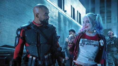 Suicide Squad karatasi la kupamba ukuta possibly with a green beret, a tabard, vita mavazi, and mavazi ya vita entitled Deadshot and Harley Quinn