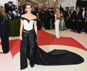 Emma Watson at the MetGala May 2, 2016 (HQs)
