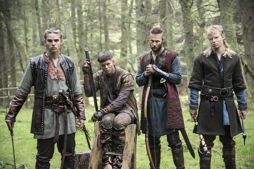 Vikings (TV Series) پیپر وال with a green beret, a rifleman, and a navy مہر entitled Hvitserk, Ivar, Ubbe and Sigurd Season 4 Official Picture