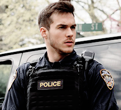 Jake Riley (Containment)