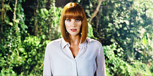 Jurassic-World-Screencaps-Claire-Dearing