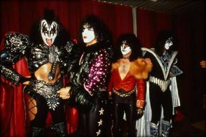 Kiss ~Leiden, Netherlands…October 5, 1980 (Groenoordhallen)
