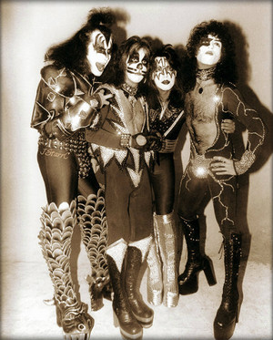 KISS (NYC) April 9, 1976