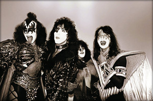 KISS ~Stafford, England…September 5, 1980 (Unmasked tour)
