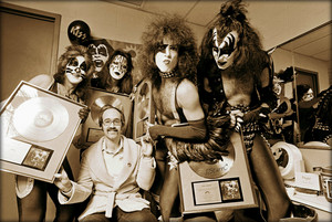 KISS ~Uniondale, New York…December 31, 1975