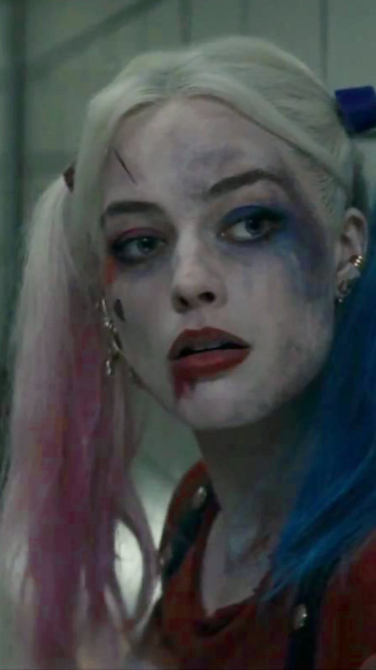 Margot Robbie As Harley Quinn In Suicide Squad Margot Robbie Foto 39501950 Fanpop