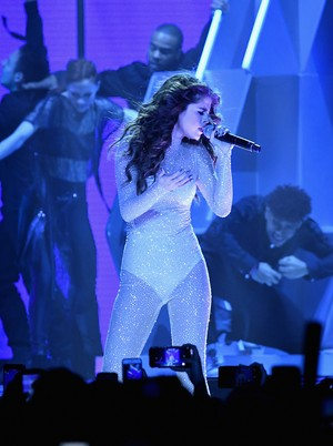 May 6: Selena performing at the 'Revival World Tour' at the Mandalay Bay Events Center in Las Ve