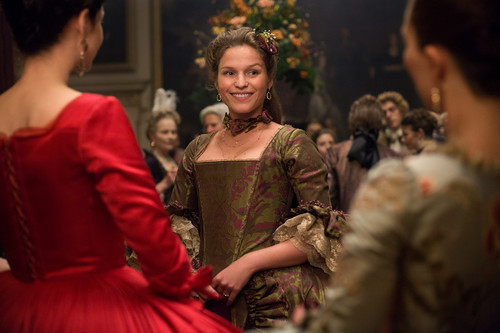 "outlander serie de televisión 2014 fondo de pantalla possibly with a bridesmaid titled Outlander ""Not in Scotland Anymore"" (2x02) promotional picture"
