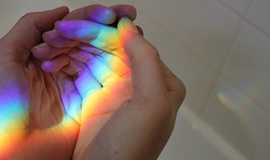 arco iris, arco-íris in hands