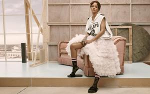 Rihanna Stance Summer
