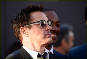 Robert Downey, Jr. and Wife Lead Team Iron Man at 'Civil War' Premiere