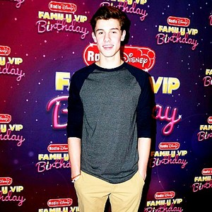 Shawn Mendes at Radio ডিজনি awards