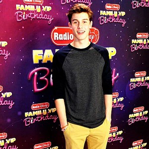 Shawn Mendes at Radio Disney awards