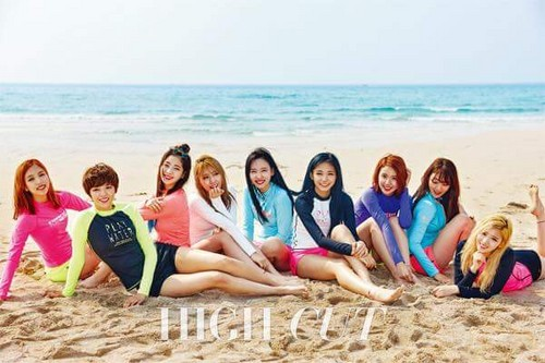 Twice (JYP Ent) वॉलपेपर possibly with a bikini and a समुद्र तट called TWICE For High Cut
