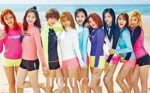 Twice (JYP Ent) achtergrond called TWICE For High Cut