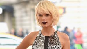 Taylor cepat, swift at Met Gala 2016