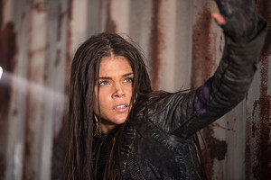 """The 100 """"Join 或者 Die"""" (3x13) promotional picture"""