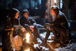 """The 100 """"Red Sky at Morning"""" (3x14) promotional picture"""