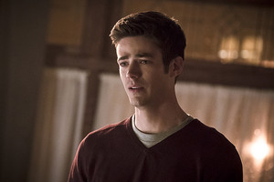 The Flash 2x21: The Runaway Dinosaur - Promo Pics