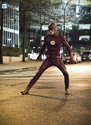 The Flash - Episode 2.22 - Invincible - Promo Pics